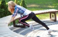 комплекс упражнений на свежем воздухе,упражнение альпинист, как заниматься на улице, упражнения для улицы, упражнения во время прбежки