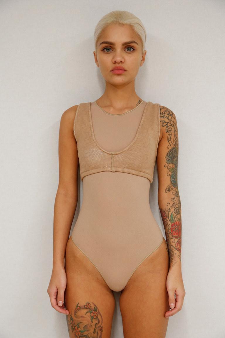 Дубль два: Кэни Уэст представил новую коллекцию одежды в Нью-Йорке