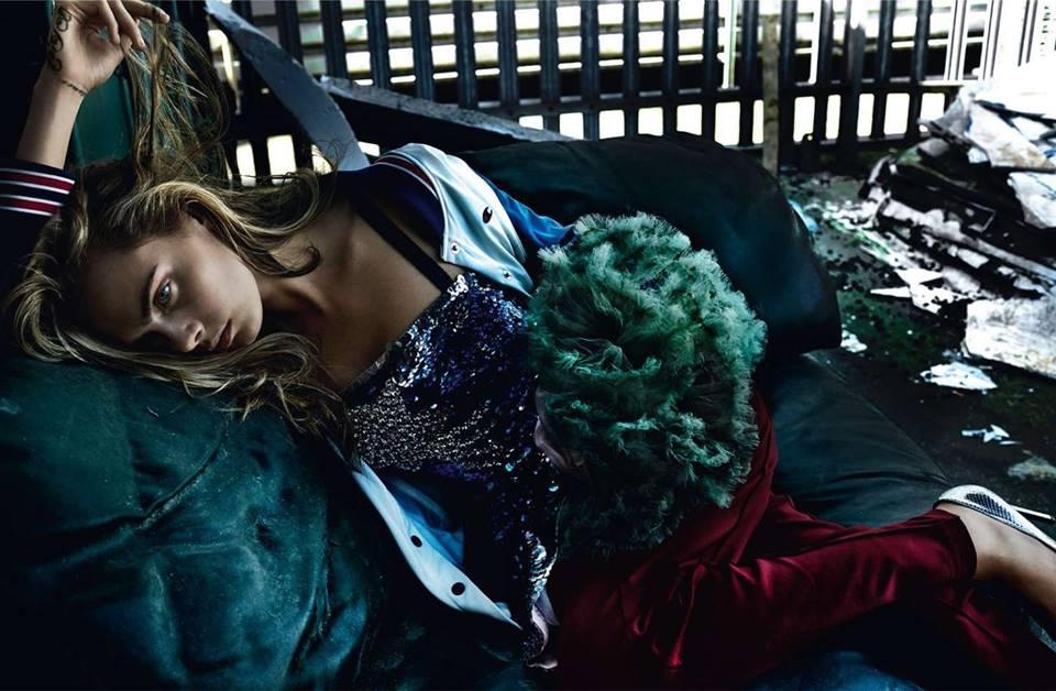 Меха и спортивки: полная фотосессия Кары Делевинь для Vogue Великобритания