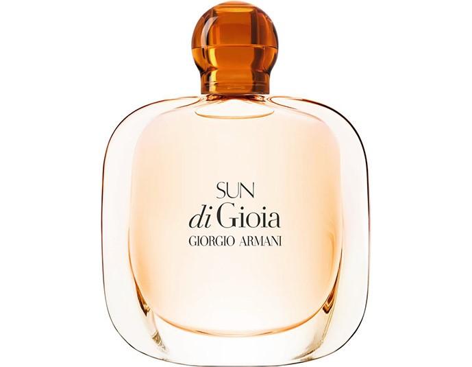 Безумно красивая Барбара Палвин стала новым лицом ароматов Giorgio Armani