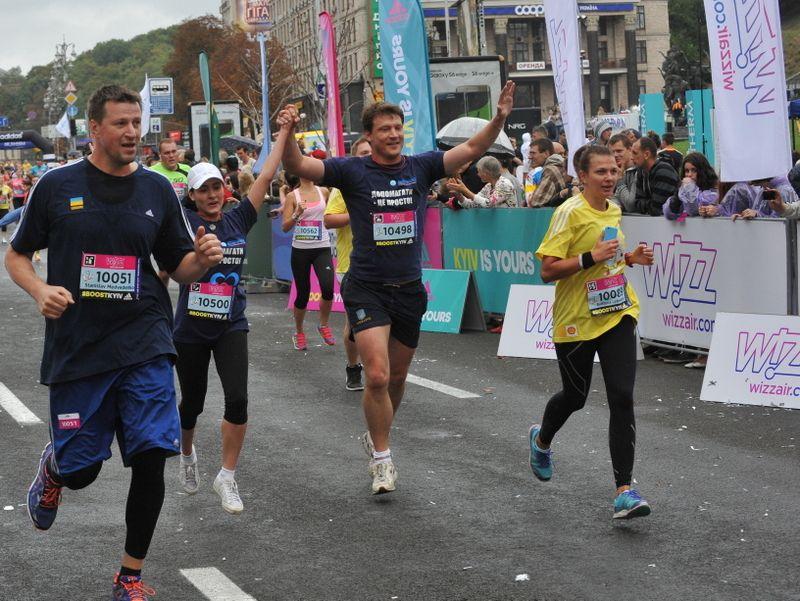 """Беги, Киев, беги: самый масштабный забег года """"Wizz Air Kyiv City Marathon 2015"""""""