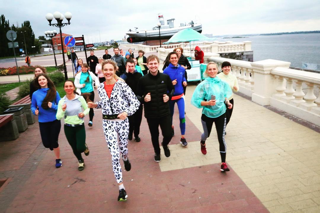 Давно не виделись: Наталья Водянова показала как приходит в форму после родов