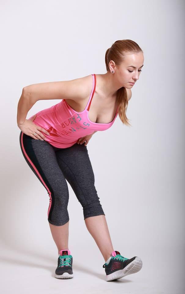 Упражнение на растяжку задней части бедра