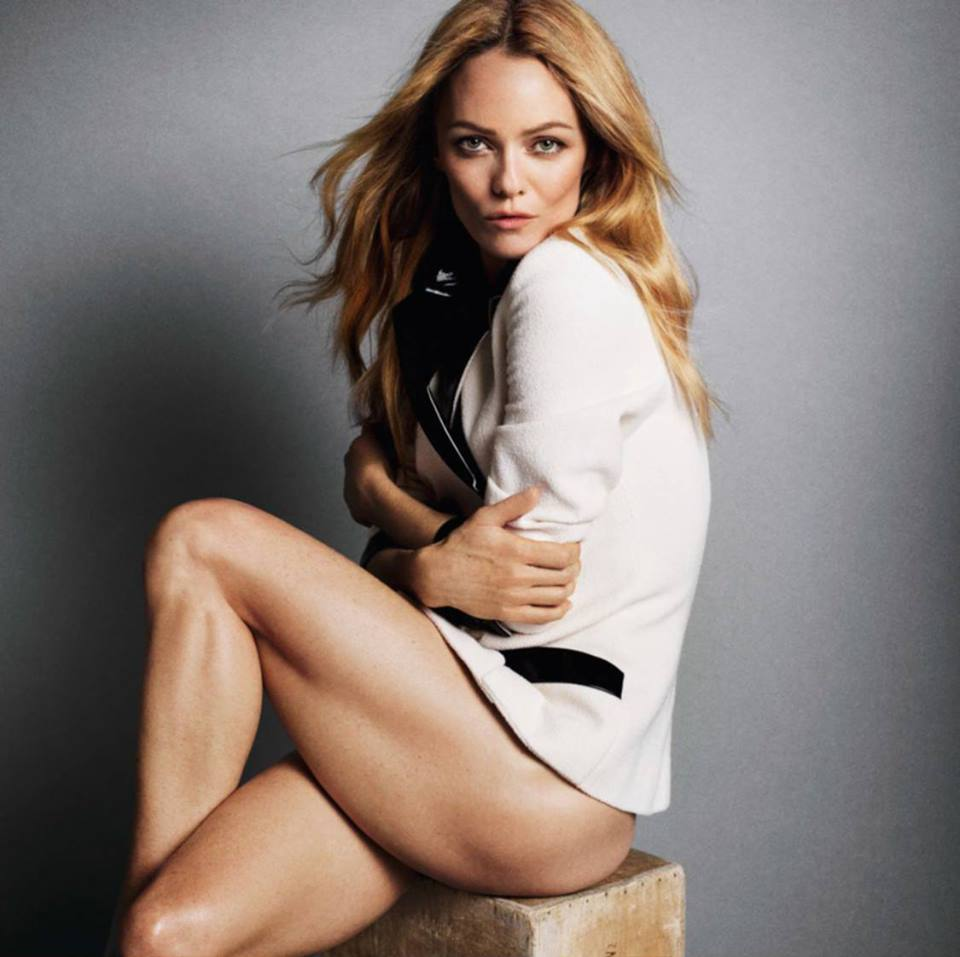 Сумасшедшая сексуальность: полная фотосессия Ванессы Паради в Vogue Paris