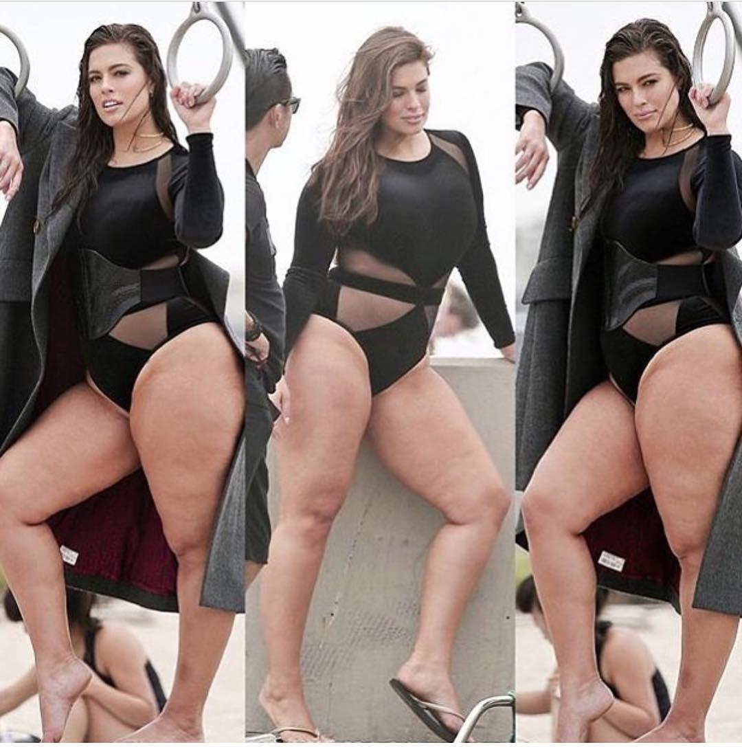 Модель plus-size Эшли Грэм показала свой снимок в купальнике без фотошопа