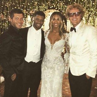Сиара сразила наповал роскошным свадебным платьем от Cavalli