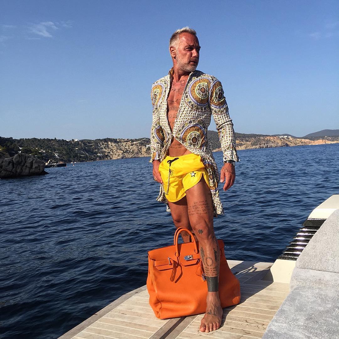 Instagram недели: седовласый миллионер покорил интернет танцами на яхте