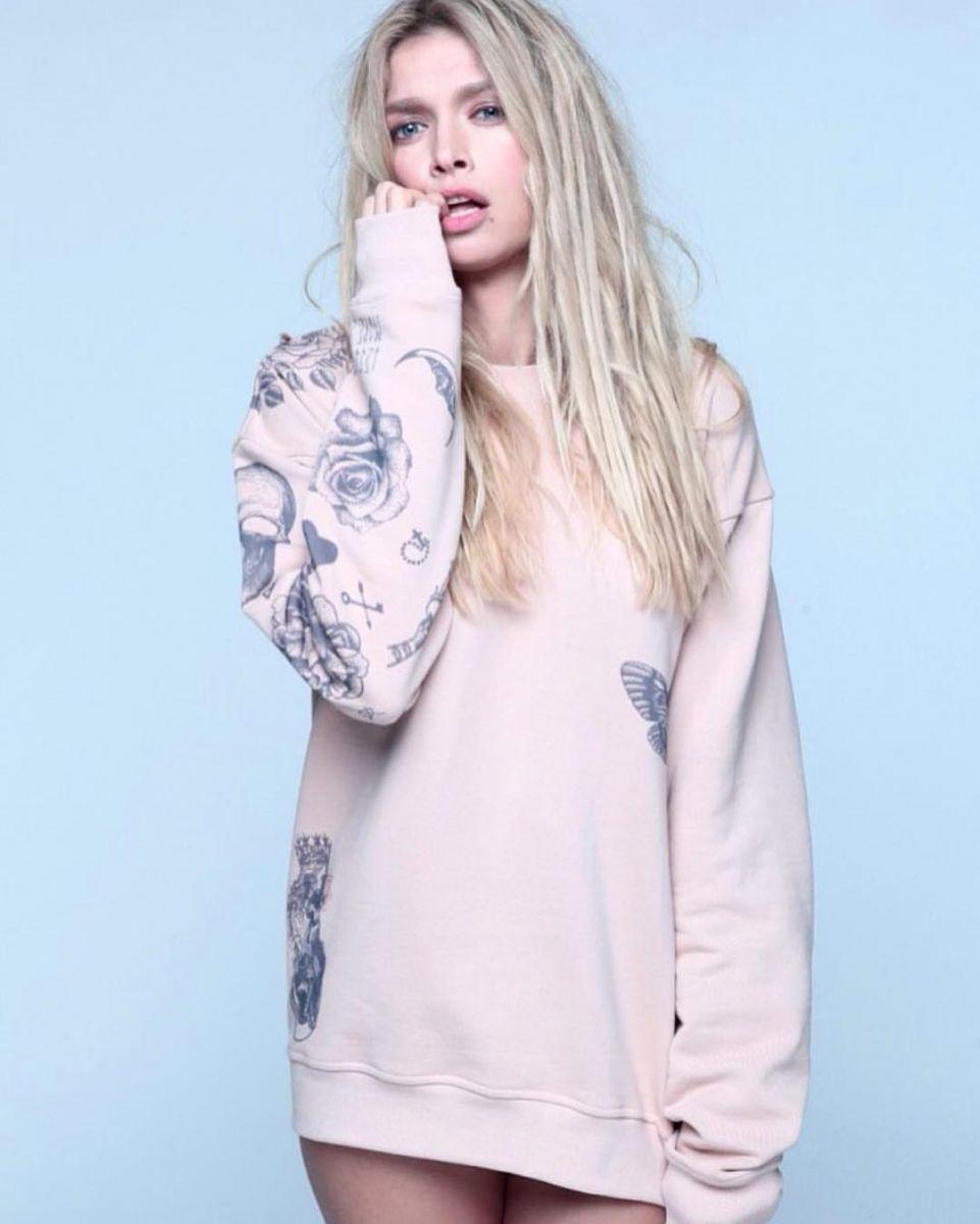 нежная Вера Брежнева в стильном свитшоте tattoosweaters фото