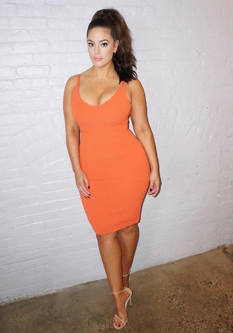 """""""Ты больше не plus-size"""": модель-пышка Эшли Грэм обидела фанатов тем, что похудела"""