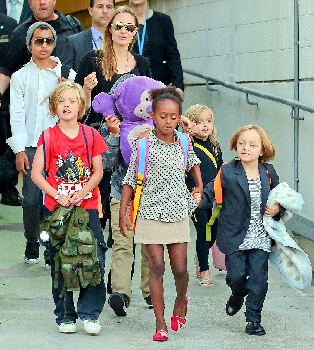 Анджелина Джоли позволила детям сделать татуировки