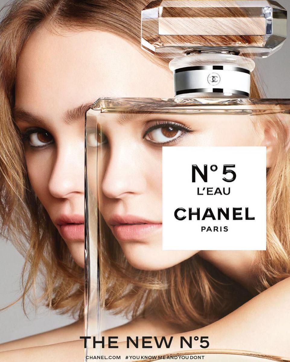 Одним глазком: первые фото рекламной кампании Chanel No5 с Лили-Роуз Депп