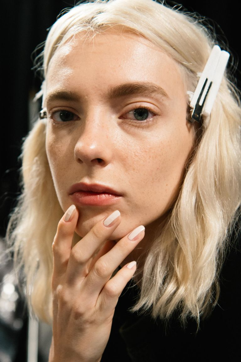 Модный контуринг для удлинения ногтей стал новым трендом маникюра (ФОТО)