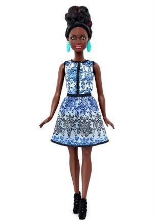 Никогда не станет прежней: куклы Барби теперь будут иметь разную национальность и параметры тела