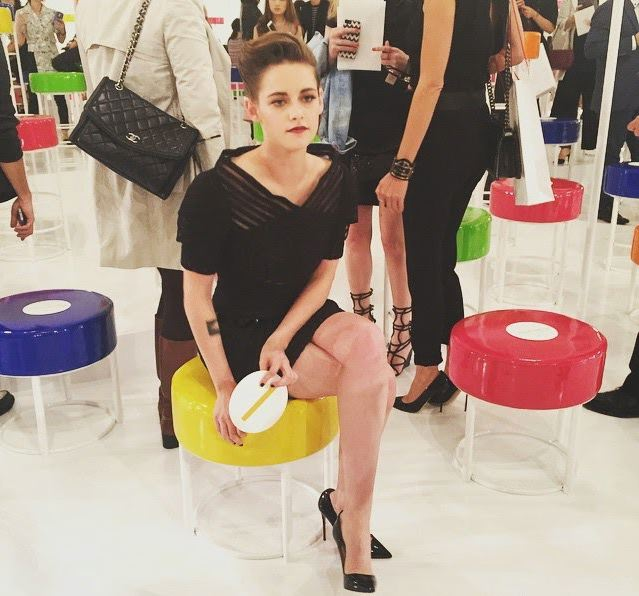Lady Chanel: Кристен Стюарт блистает в маленьком черном платье