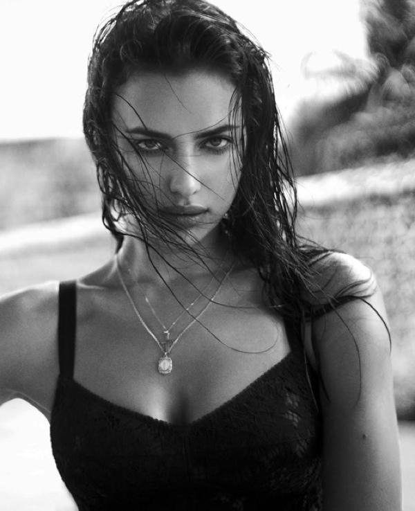 """Ирина Шейк: """"Я люблю свое тело и не боюсь его демонстрировать"""""""