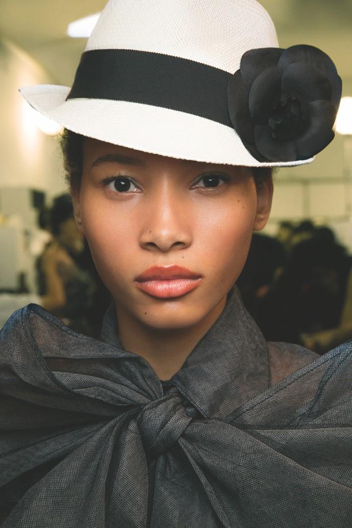 Первый взгляд: каким был макияж моделей на кубинском показе Chanel Resort 2017