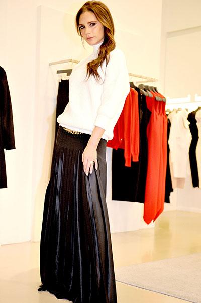 Безупречная Виктория Бекхэм покоряет стильными образом