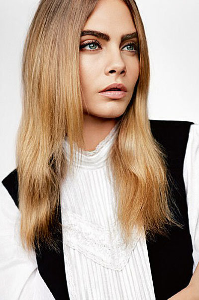 Модная крошка: Кара Делевинь позирует в нарядах от Topshop
