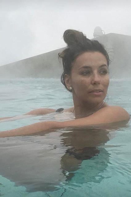 Ева Лонгория поделилась снимками без макияжа (ФОТО)