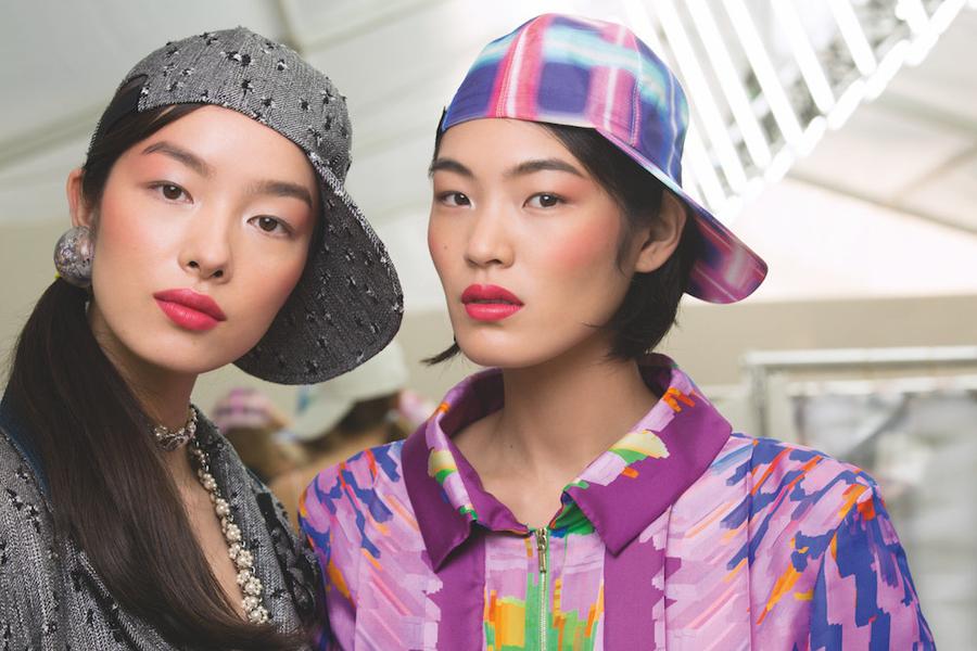 Секреты безупречности с подиума: Как создать макияж с показа Chanel весна-лето 2017 (ФОТО)