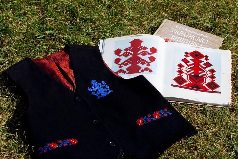Интерпретация вышиванки: представлена первая украинская школьная форма в стиле этно