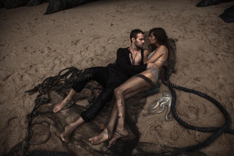 Макс Барских снял в своем клипе ангела Victoria's Secret в образе русалки (ФОТО)