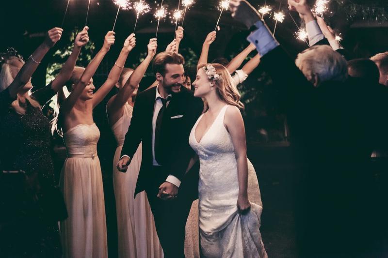 """Свадьба с пометкой """"плюс"""": модель plus-size снялась в рекламной кампании Davids Bridal"""
