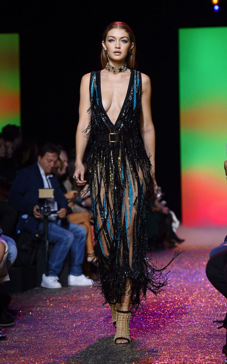 10 лучших платьев Парижской недели моды (ФОТО)