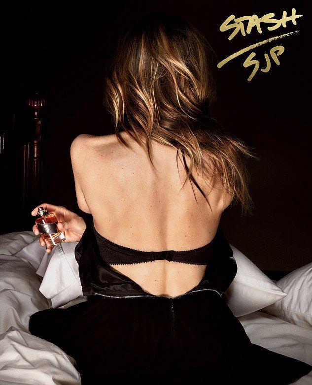Сара Джессика Паркер снялась в сексуальной рекламе своего нового унисекс-аромата (ФОТО)