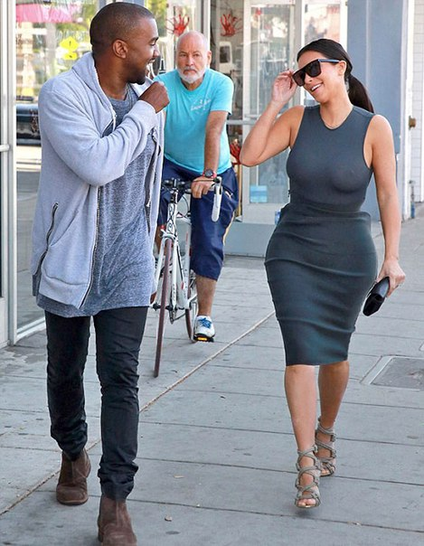 Ким Кардашьян шокировала своим нарядом
