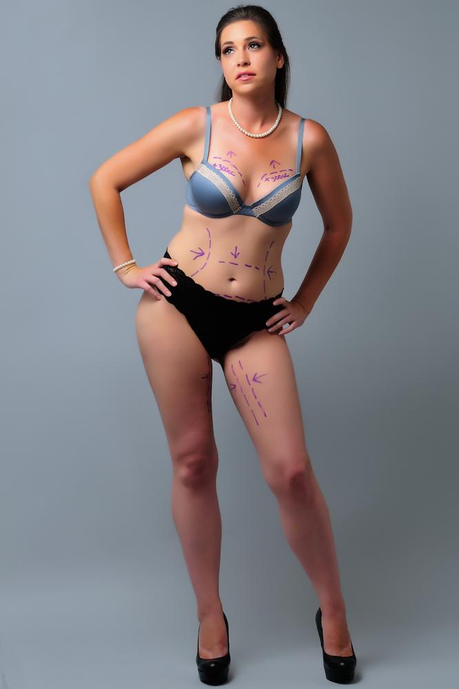 Перекроить тело: на телах реальных женщин нарисовали линии параметров модельной красоты