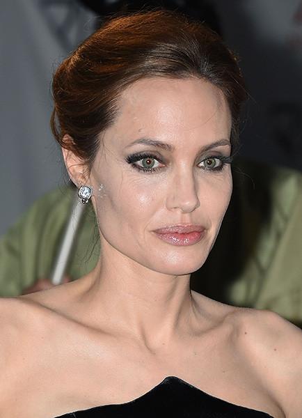 Фотофакт: Анджелина Джоли за год заметно постарела