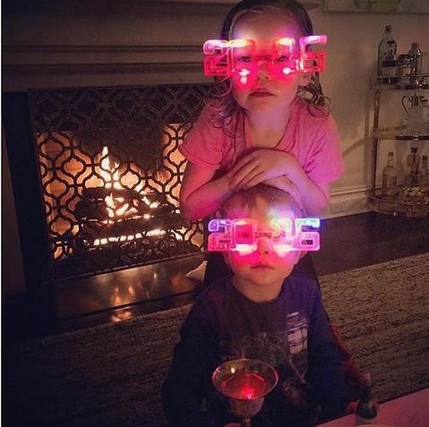 Как это было: какие фото выкладывали в instagram звезды в новогоднюю ночь