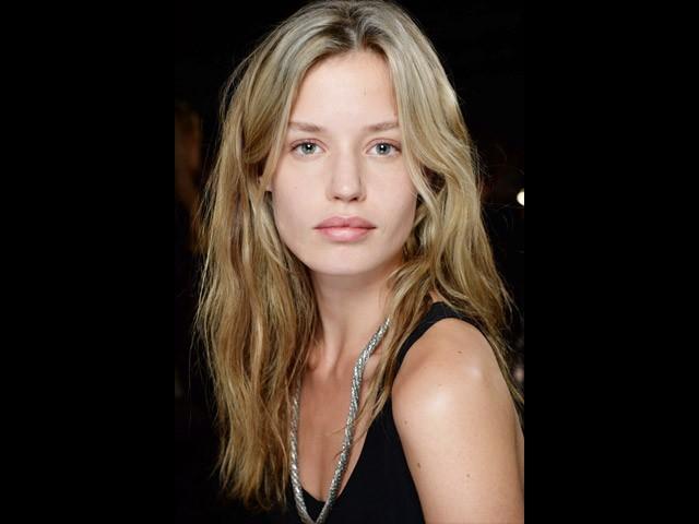Стробинг - новый тренд макияжа, который изменит тебя до неузнаваемости!