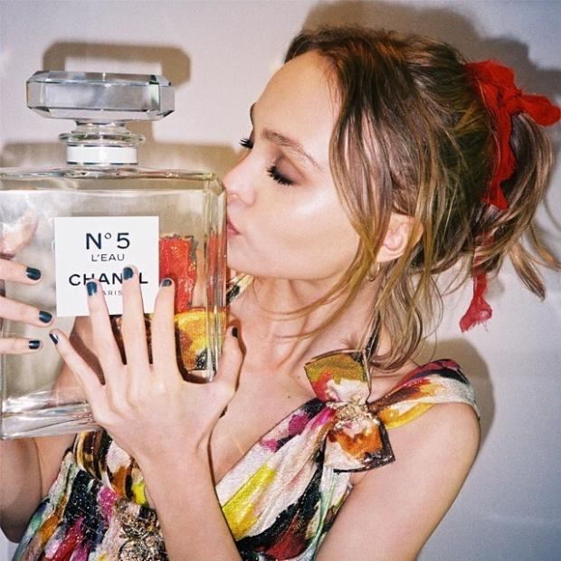 16-летняя дочь Джонни Деппа будет представлять культовый аромат Chanel No 5