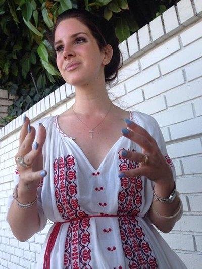 звезды выбирают вышиванки в украинском стиле фото