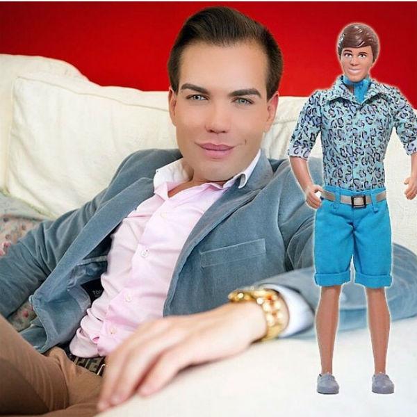 Удивительно: мужчина превратился в куклу за 256 тысяч долларов