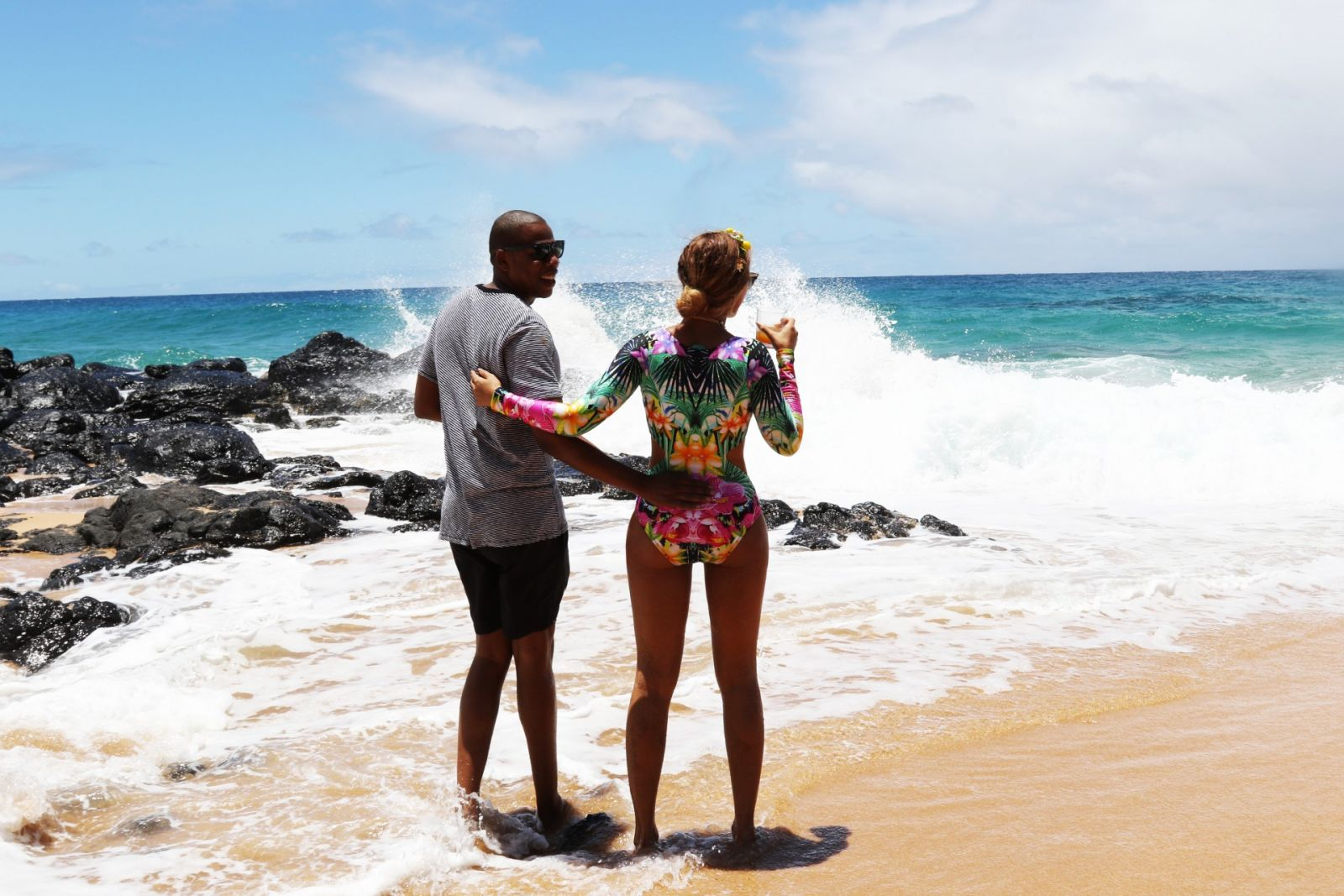 Beyonce and blue ivy on beach