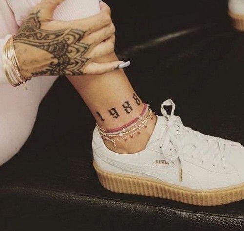 Рианна сделала новую татуировку фото
