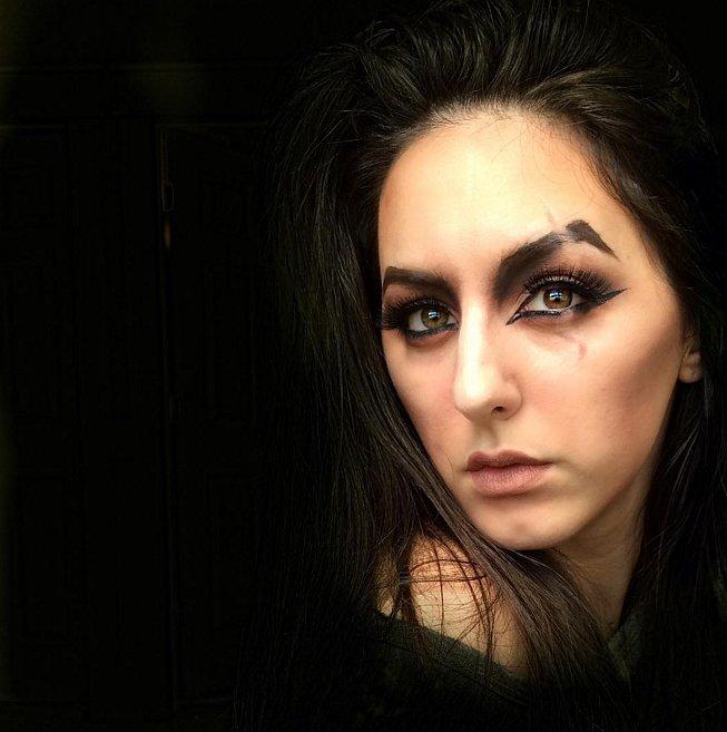 Лицо со шрамом: вариант простейшего макияжа на Хэллоуин