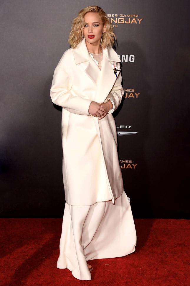 Дженнифер Лоуренс в Dior на премьере «Сойка-пересмешница. Часть II» в Лос-Анджелесе