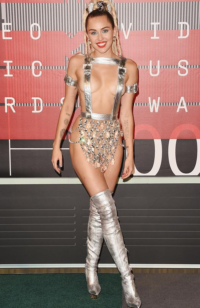 Полуголая Майли Сайрус, Бритни Спирс, Ким Кардашьян и другие на MTV Video Music Awards 2015