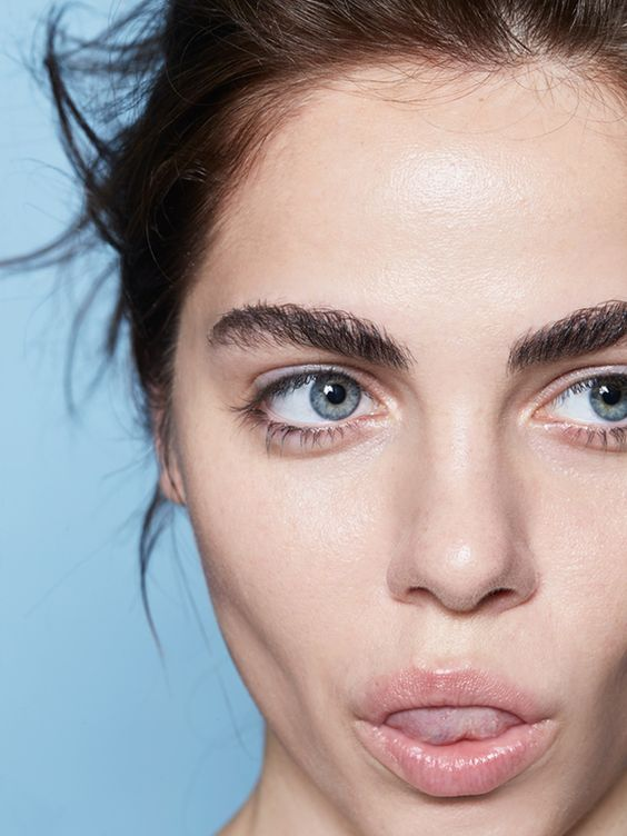 Как сделать губы больше за 30 секунд (ВИДЕО)