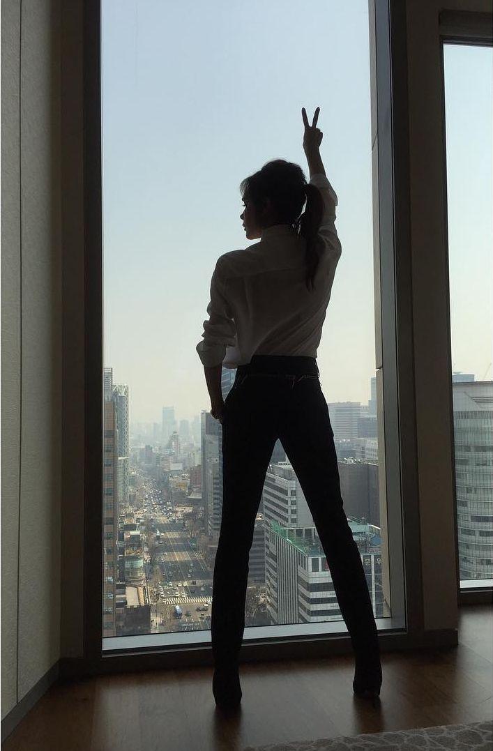 Во дает: Виктория Бекхэм удивила потрясающей растяжкой фото