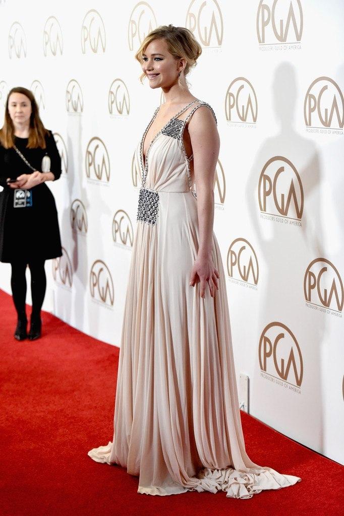 Дженнифер Лоуренс покорила безупречным beauty-образом