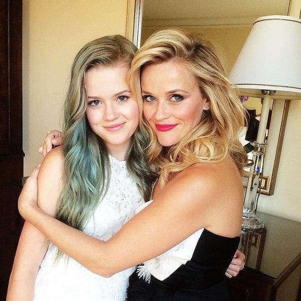 Perfect blonde: Риз Уизерспун покорила новым beauty-образом