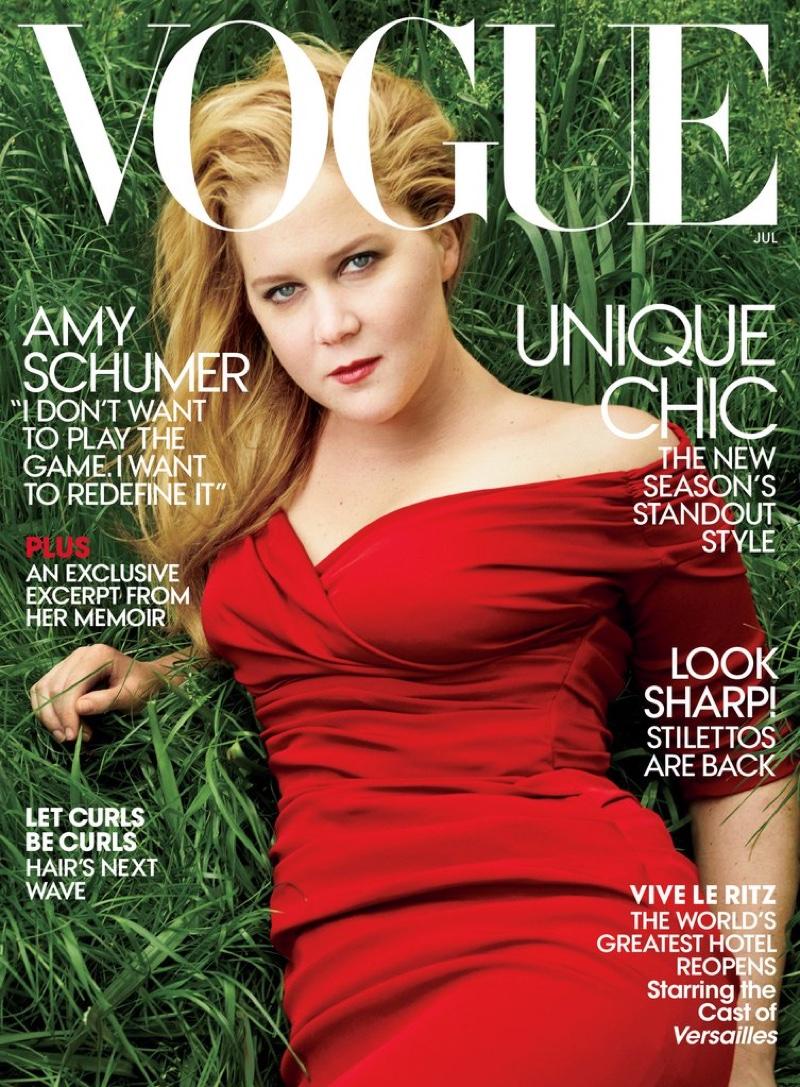 Не до шуток: дебютная фотосессия комедиантки Эми Шумер в Vogue