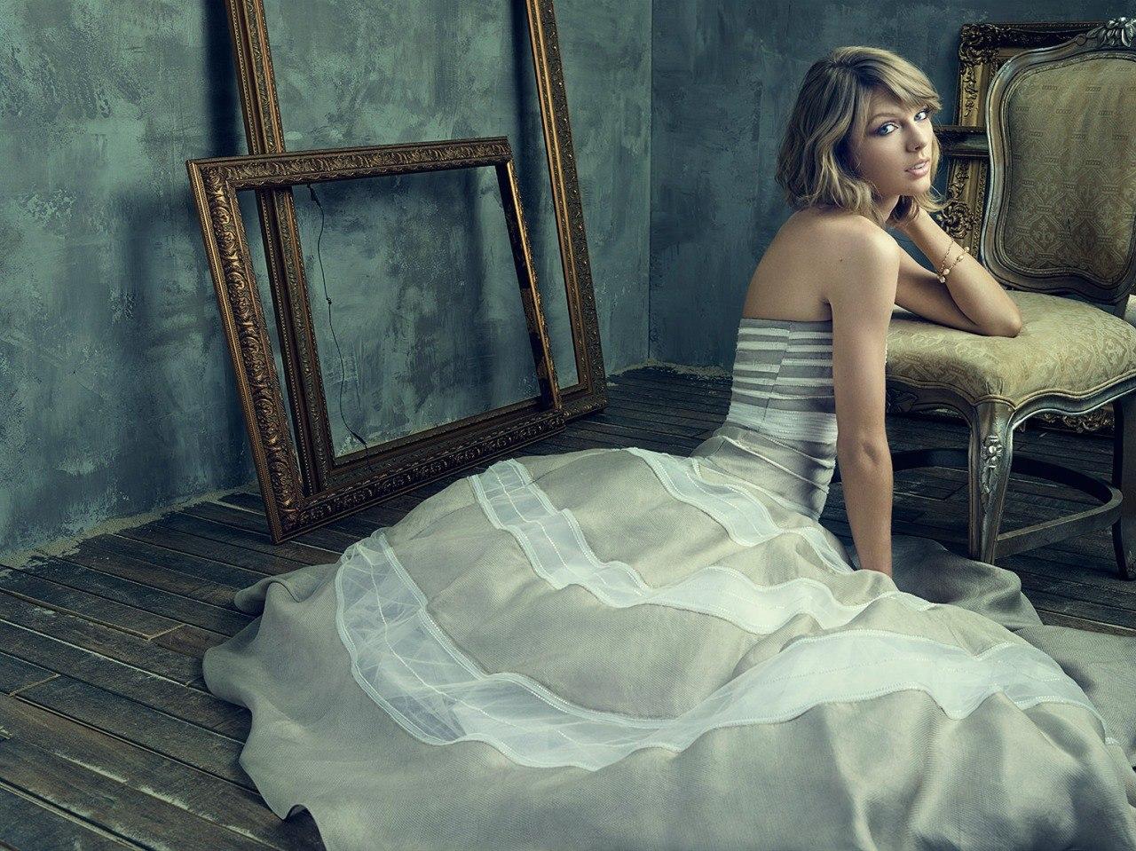 Женственная Тейлор Свифт покорила потрясающим образом