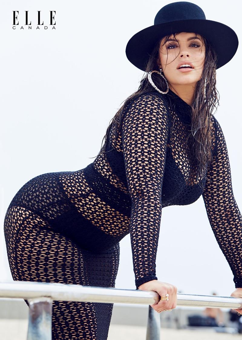 Модель plus-size Эшли Грэм показала аппетитные формы в новом стильном фотосете (ФОТО)