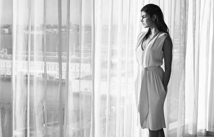 Путь домой: нежная Барбара Палвин в фотосессии для нового Marie Claire Венгрия